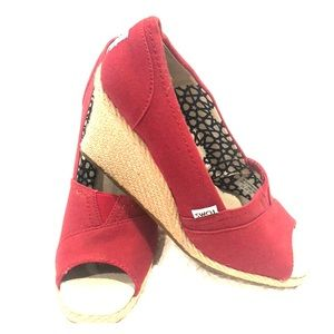 Toms Red Espadrilles Wedge shoes 👠! Brand new! 💋